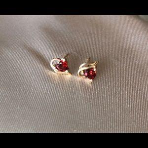 Jewelry - Garnet hearts